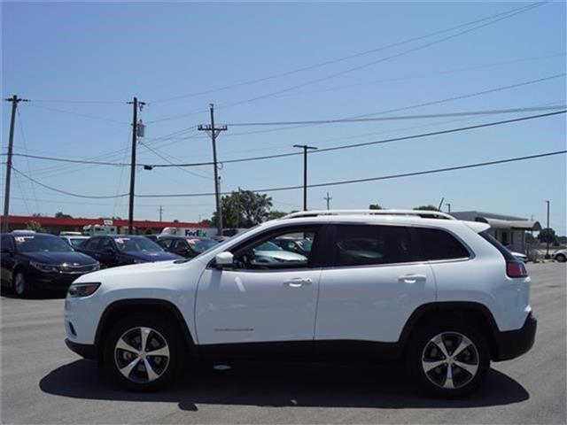 Pre-Owned 2019 Jeep Cherokee Limited 4dr 4x4