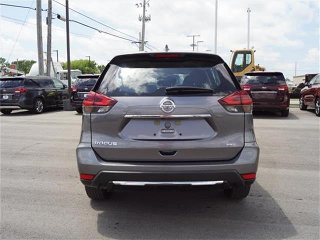 Pre-Owned 2018 Nissan Rogue S 4dr All-wheel Drive